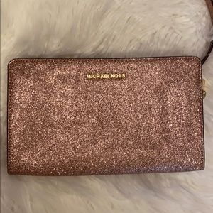 Michael Kors wallet cross body